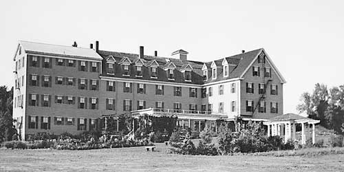Classic BW Photo - Nonantum Resort - Kennebunkport, ME
