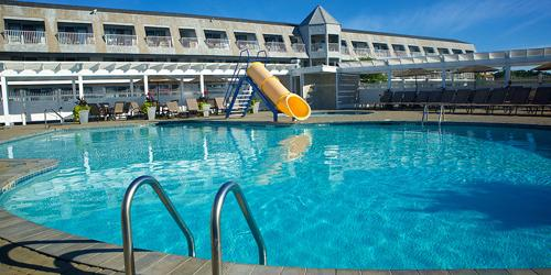 Outdoor Pool & Slide - Anchorage Inn - York Beach, ME