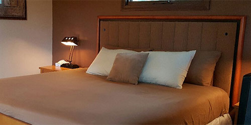 Starlight Lodge - Hotels - Pillows